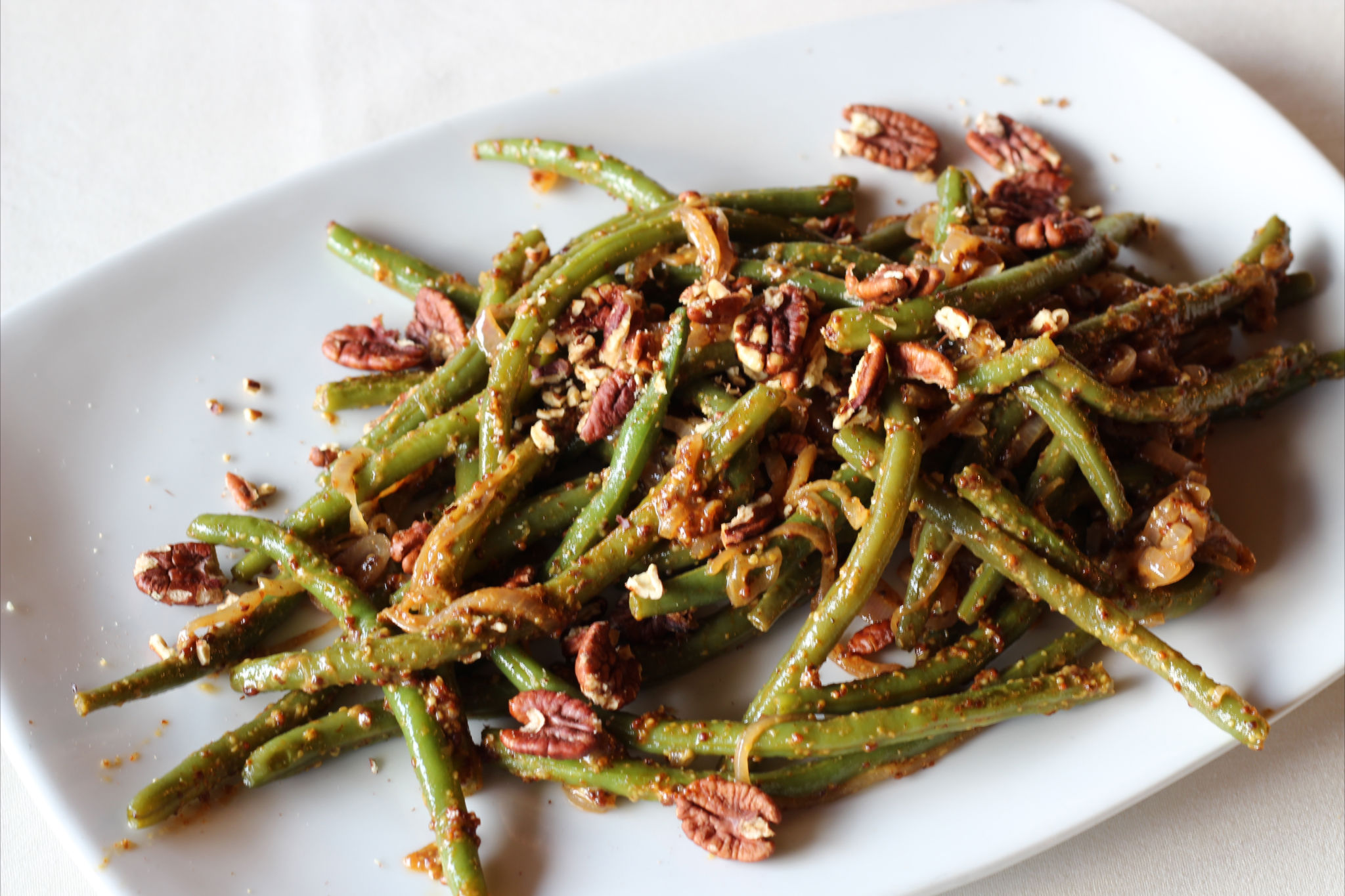 GREEN BEAN SAUTE WITH PECANS